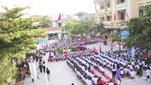 Gần 60.000 học sinh Quảng Trị tham gia lễ khai giảng muộn