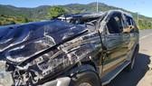 Xe ô tô lộn nhiều vòng trên cao tốc, 1 người chết, 1 người bị thương