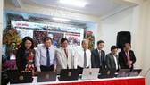 Các đại biểu nhấn nút khai trương Báo Lâm Đồng điện tử