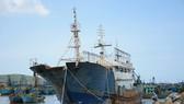 """Bán đấu giá """"con tàu ma"""" dạt vào biển Bình Thuận"""