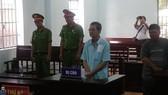 Bị cáo Nguyễn Văn Thừa nghe tòa tuyên án.
