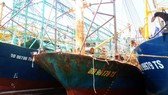 Many steel hulled fishing boats built under the Government's Decree 67 have been rusty and damaged right after being launched in Binh Dinh province (Photo: SGGP)