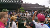 Visitors at Hue Imperial Citadel (Photo: SGGP)