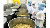 Food safety inspection at Tri Duc jam making company in HCMC (Photo: SGGP)