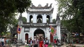 Tourists visit Temple of Literature in Hanoi (Source: VNA)
