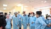 Malaysian officials discuss the strange disease that killed 14 Batek indigenous people (Photo: Malaysiakini/VNA)
