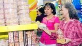 Hàng kinh doanh tại siêu thị Co.opmart đã được  kiểm nghiệm lưu động