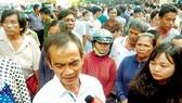 Ông Huỳnh Văn Nén trả lời báo chí sau khi được minh oan
