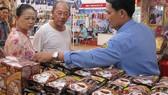Người tiêu dùng lựa chọn mua sản phẩm có thương hiệu, nguồn gốc xuất xứ để hạn chế nguy cơ sử dụng phải hàng gian, hàng giả