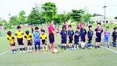 """Giải bóng đá trẻ Nhà thiếu nhi quận 10 - Ươm mầm """"cầu thủ"""" học sinh"""