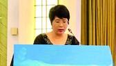 Dịch giả Nguyễn Lệ Chi đọc tham luận tại hội thảo văn học quốc tế tại Quảng Châu tháng 11-2018