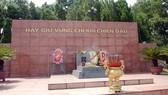 Dâng hương tưởng niệm cố Tổng Bí thư Trần Phú