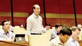 Đại biểu Nguyễn Phương Tuấn (Ninh Bình) phát biểu.  Ảnh: Viết Chung
