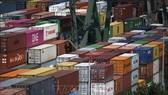 Hàng hóa được xếp tại cảng ở Dortmund, miền Tây Đức. Ảnh: AFP/TTXVN