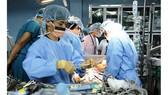 """Nhiều """"kỷ lục"""" về ghép tạng ở Việt Nam khiến thế giới thán phục"""