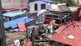 Ngôi nhà bị hư hỏng nặng sau vụ nổ lớn