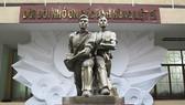 Tượng đài tưởng niệm các chiến sĩ đội 4 - Biệt động Sài Gòn trong trận đánh vào Đài Phát thanh Sài Gòn dịp Tết Mậu Thân 1968