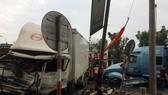 Container nổ lốp gây tai nạn khiến 3 người bị thương
