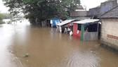 Nhiều khu vực tại Thừa Thiên - Huế bị chia cắt vì mưa lũ