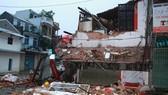 Ngôi nhà 2 tầng tại Huế bất ngờ đổ sập lúc rạng sáng