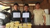 Truy bắt 2 đối tượng cầm súng vận chuyển 118.000 viên ma túy