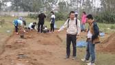 Một trong số những hố thám sát, khai quật nghiên cứu ở khu vự đền Huyện