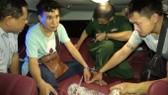 Hai đối tượng người Lào bị bắt giữ khi vận chuyển ma túy vào Việt Nam