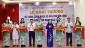 Bộ trưởng Bộ Y tế Nguyễn Thị Kim Tiến cùng các đại biểu cắt băng khai trương
