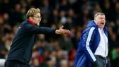 Jurgen Klopp (trái) sẽ giáp mặt Everton của Sam Allardyce trong tình thế khó khăn hơn dự tính. Ảnh: Getty Images