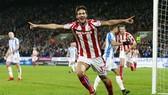 Ramadan Sobhi mừng bàn thắng trong màu áo Stoke City. Ảnh: Getty Images