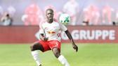 Dayot Upamecano đang trưởng thành rất nhanh tại RB Leipzig. Ảnh: Getty Images