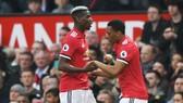 Paul Pogba (trái) và Anthony Martial là 2 ngôi sao người Pháp đang gây thất vọng ở Man.United. Ảnh: Getty Images