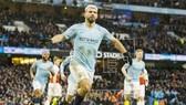 Sergio Aguero tỏa sáng với cú hat-trick thứ 10 trong sự nghiệp Premier League. Ảnh: Getty Images