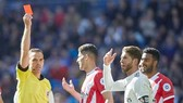 Sergio Ramos thiết lập kỷ lục chẳng ai mong muốn. Ảnh: Getty Images