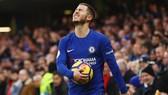 Nếu bị buộc phải chấp hành án cấm và không thể giữ Eden Hazard, Chelsea khó tránh khủng hoảng. Ảnh: Getty Images