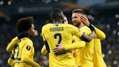 Olivier Giroud tỏa sáng rực rỡ để giúp Chelsea biểu dương sức mạnh. Ảnh: Getty Images