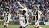 Cristiano Ronaldo đã ăn mừng danh hiệu Serie A cùng Juve. Ảnh: Getty Images