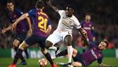 Paul Pogba được đồn đoán sẽ là mục tiêu lớn của Barca ở mùa hè này. Ảnh: Getty Images