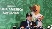 Chủ tịch LĐBĐ Nam Mỹ, Alejandro Dominguez xác nhận thể thức mới cho kỳ giải 2020. Ảnh: Getty Images
