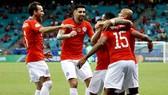 Đương kim vô địch Chile mạnh mẽ tiến vào tứ kết. Ảnh: Getty Images