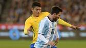 Thiago Silva thừa nhận luôn khó khăn khi kèm Lionel Messi. Ảnh: Getty Images