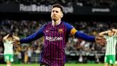Barca muốn Lionel Messi kết thúc sự nghiệp tại Camp Nou. Ảnh: Getty Images