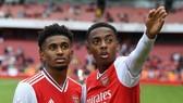 Reiss Nelson (trái) và Joe Willock được mong chờ là tương lai của Arsenal. Ảnh: Getty Images