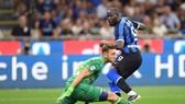 Romelu Lukaku đã đáp ứng kỳ vọng với bàn thắng ra mắt. Ảnh: Getty Images