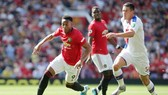 Anthony Martial (trái) vắng mặt đặt Man.United trước bài toàn ghi bàn. Ảnh: Getty Images