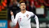Cristiano Ronaldo khẳng định đang hạnh phúc và cam kết với đội tuyển. Ảnh: Getty Images