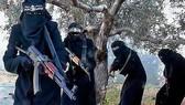 Lữ đoàn nữ binh Al-Khansa của IS. Ảnh: DAILY MAIL