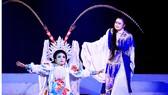 Các nghệ sĩ trẻ của Nhà hát Nghệ thuật hát bội TPHCM  trong vở Đào Tam Xuân đề cờ