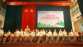 Hanwha Life Việt Nam trao xe đạp tặng trẻ em Thanh Hóa