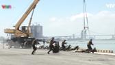 Diễn tập phòng, chống khủng bố tại cảng Tiên Sa (Đà Nẵng)